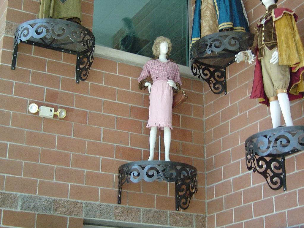 Swirled Wrought Iron Rounded Shelves